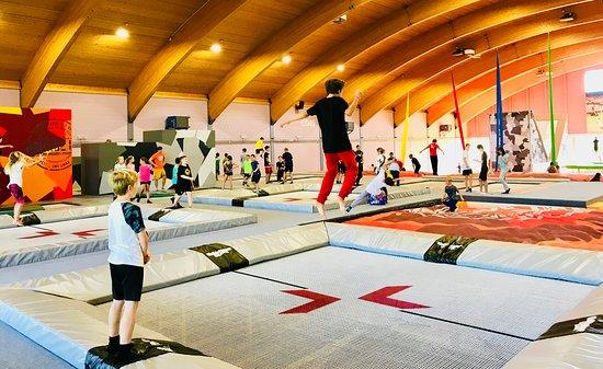 Belp, Ελβετία: 3 Freestyle Trampoline, 4 Trampoline mit Airbag und 4 Wall Trampoline