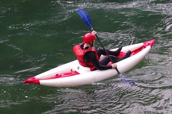 REO Rafting & Yoga Resort: Inflatable kayaking