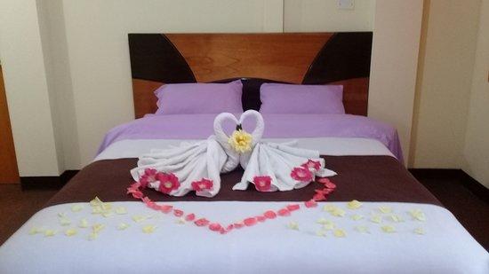 Hostel Casa del Montañista: habitacion matrimonial baño privado, agua caliente, wifi,  balcon y vista montañas a las montañas