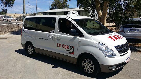 Mandurah, Australia: Maxi Taxi, a larger taxi for every occasion that will never leave a man behind.
