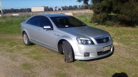 Mandurah, Austrálie: MT Executive Cars, a premium service with chauffeur driven executive cars for airport transfers, weddings and all special occasions.
