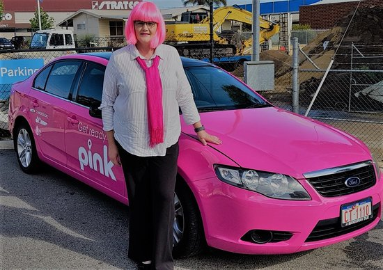 Mandurah, Austrálie: Pink Taxi, a new service option available for female travellers with a licensed female driver so they can feel a little safer on their journey.