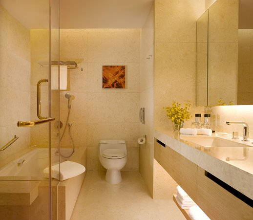 Guest room amenity - Picture of Crowne Plaza Hong Kong Causeway Bay, Hong Kong - Tripadvisor