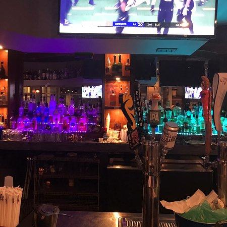 Locals Tavern