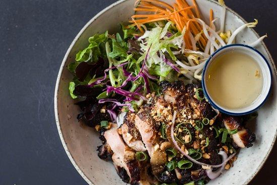 Minh Minh Saigon Soul: Bun Chicken