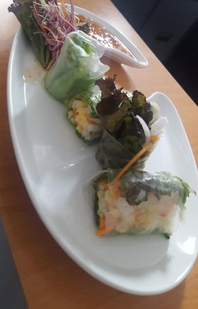 Paper rice spring roll