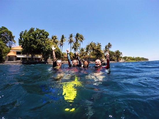 happy divers @ USAT Liberty Wreck
