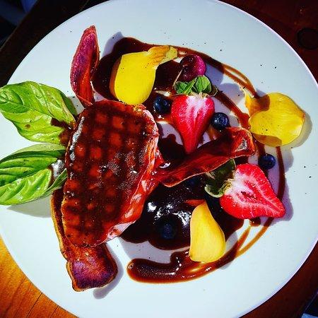 Haka Honu Restaurant