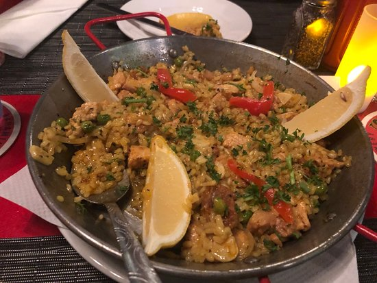 Dali Rotisserie & Grill: Paella