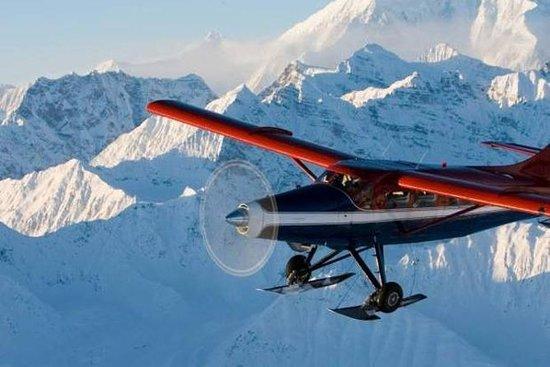 Vuelo panorámico del Monte Denali con...