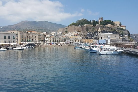 Aeolian Islands Day Tour: Lipari och ...