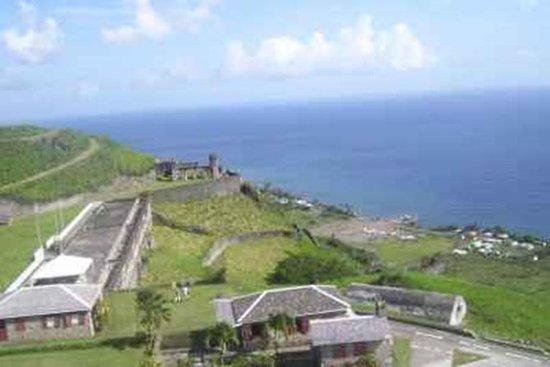 St Kitts sightseeingtur til Brimstone...