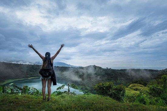 Caminhada para a Lagoa Vulcânica de...