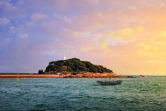 Private Day Tour of Qingdao City...