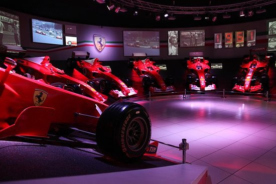 Motor Valley and Ferrari Tour from Milan by train with Lunch: Private Motor Valley and Ferrari Factory Tour from Milan with Lunch