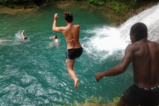 Blue Hole e River Tubing da Montego