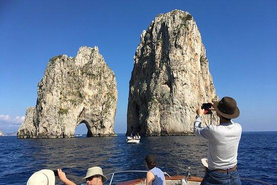 Capri Små Grupp Tour med båt från ...