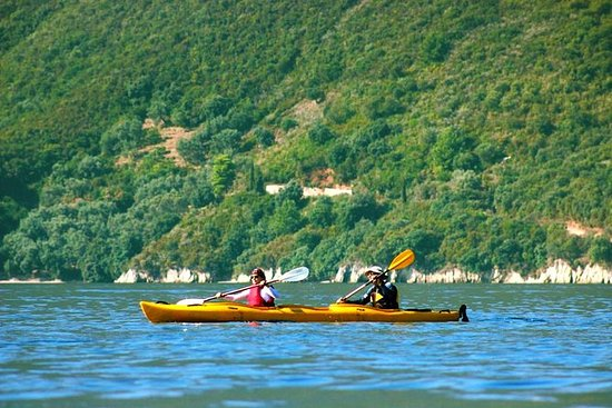 Kayak en el lago Pancharevo con...