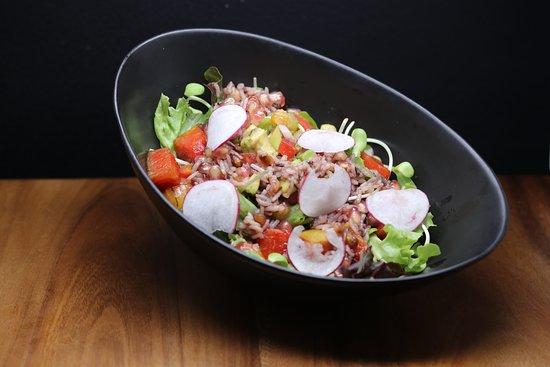Salad of tuna tartar