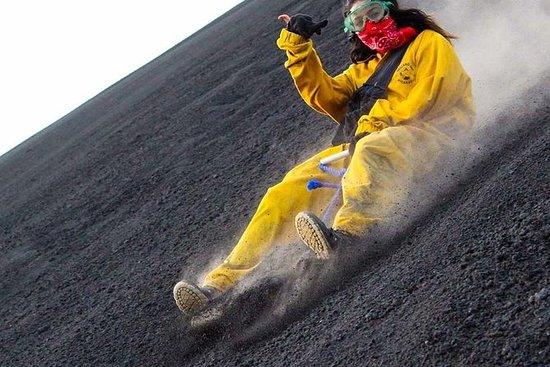 Cerro NegroとLasPeñitasビーチツアーでの火山搭乗