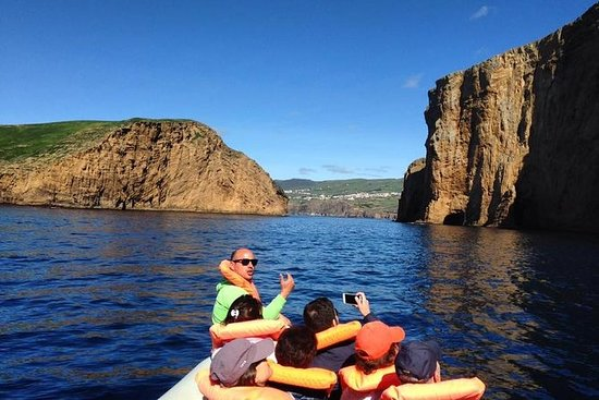 ヤギ島へのボートトリップ