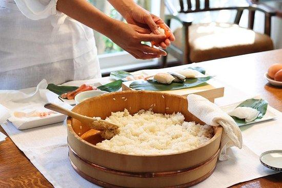 Classic Sushi gjør leksjon og lunsj...