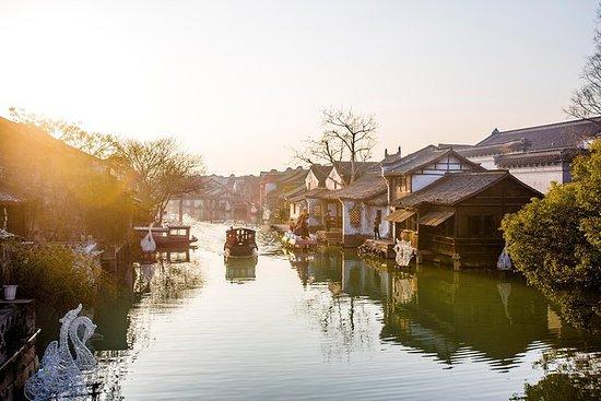 Tour al atardecer en Wuzhen Water...