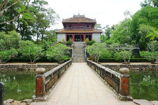 Hue full day tour with 5 must see...