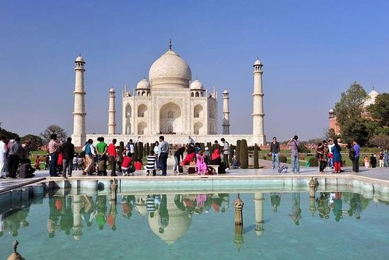 Sunrise Taj Mahal y Agra Tour privado...
