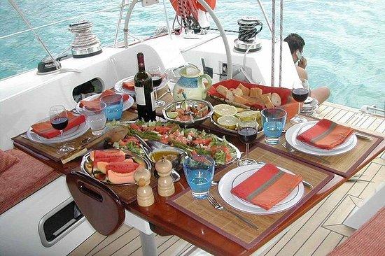 Petit-déjeuner sur le bateau à Agadir