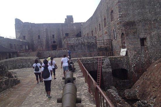 Fortaleza de Citadelle y Palacio de...
