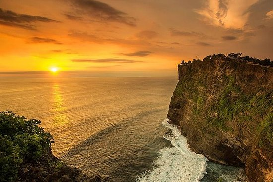 Tanah Lot and Uluwatu Sunset Tour