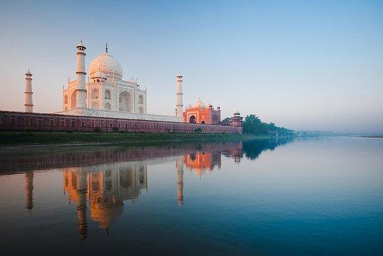 私人泰姬陵之旅与法塔赫布尔 - 西格里汽车从德里 - 所有包括。