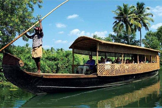 Village Backwater Cruise y Heritage...