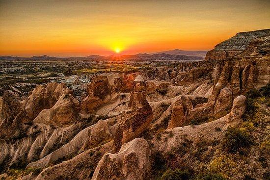 Visite privée du sud de la Cappadoce: ville souterraine, vallée rouge, Cavusin, Ortahisar, vallée des pigeons : Private Cappadocia South Sightseeing Tour: Underground City, Red Valley, Cavusin, Ortahisar, Pig