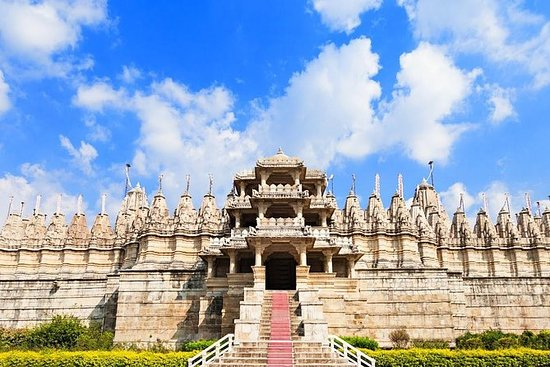Udaipur naar Ranakpur Jain-tempel en ...