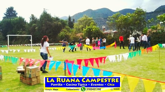 La Ruana Campestre Restaurante Parrilla, Cocina Típica & Eventos  Eventos Empresariales y Familiares Despedidas de Fin De Año. Chía, Sabana de Bogotá  Cotizaciones: Whatsapp: 3103431192 e-mail: laruanacampestre@yahoo.es Página Web: http://www.laruanacampestre.wixsite.com/chia