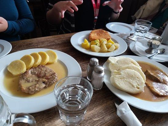 Great pub. – Bild från Lokal Hamburk, Prag - Tripadvisor