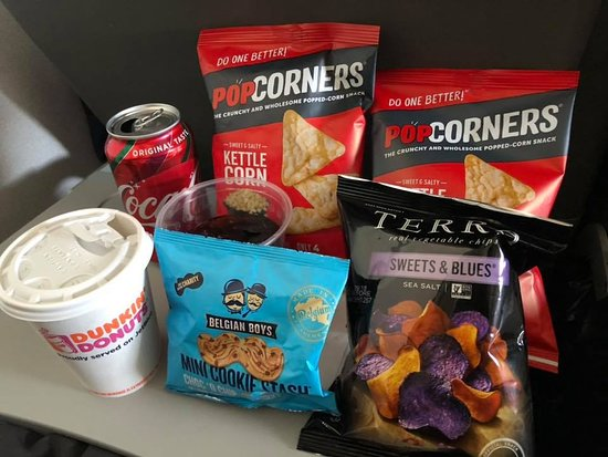 JetBlue: Available snacks and drinks.