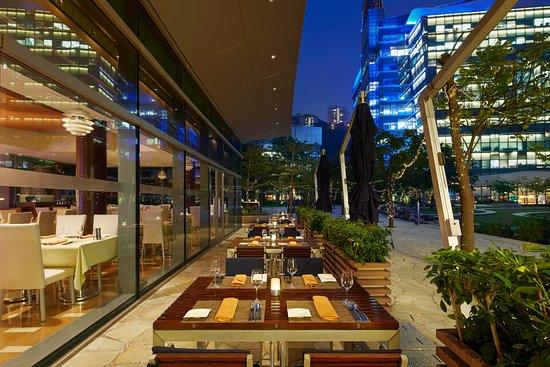 Prompt Bistro: Prompt Restaurant Outside Terrace