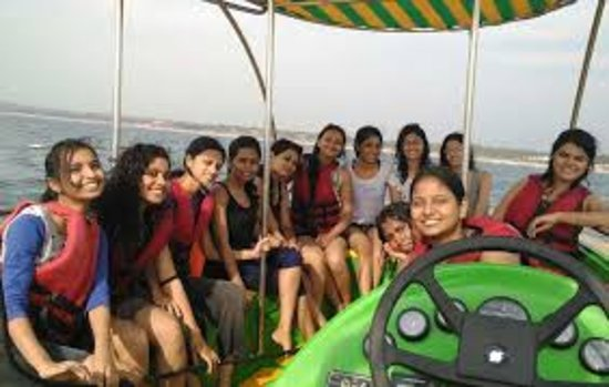 Goa, India: Group of babes roaming in Sea