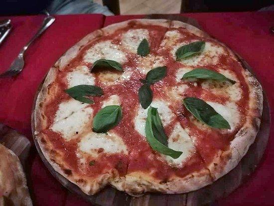 Pizza, Amore e Fantasia!: classica margherita