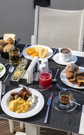 The Independent Hotel: Breakfast