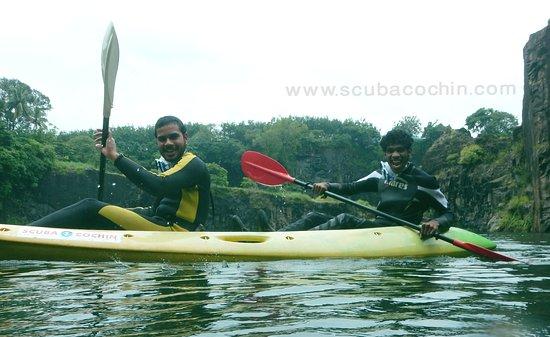 Коччи (Кочин), Индия: Kayaking....