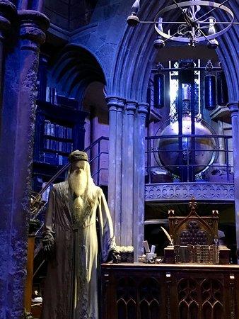 Harry Potter Tour of Warner Bros. Studio in London: Wizads domain