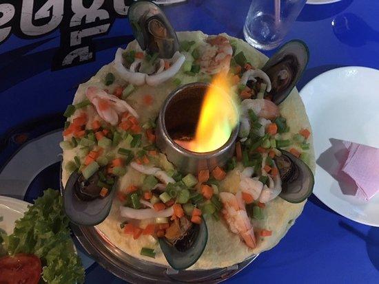 Krua Chaitung - Kinlom Chom Kwai: Chinese egg custard with prawns, squid and mussels.