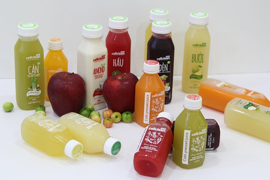 Juice cleanse with 2 bottles size 320ml and 210 ml. Special Vietnam tropical COLD-PRESSED JUICE.