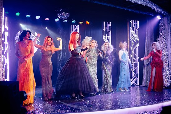 Ночной клуб кабаре в санкт петербурге как разводят в ночных клубах