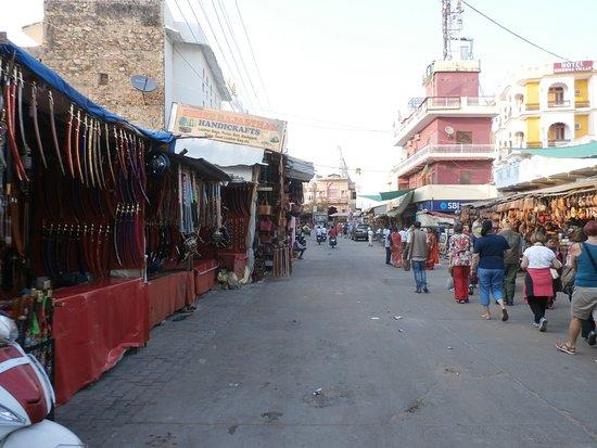 Pushkar Lake: Street market