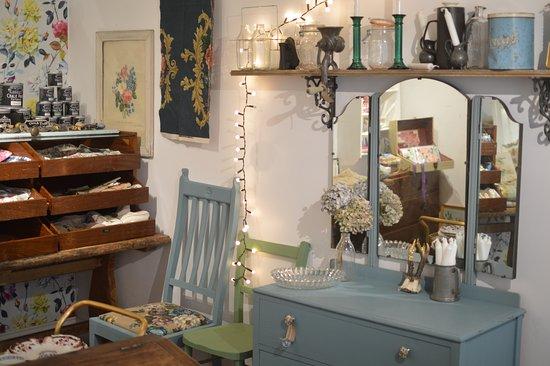 Faversham, UK: flo furniture